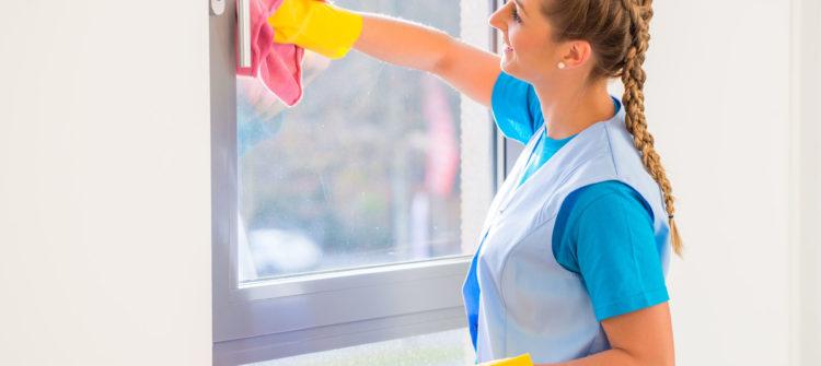 Мытье окон – популярная услуга клининговой компании