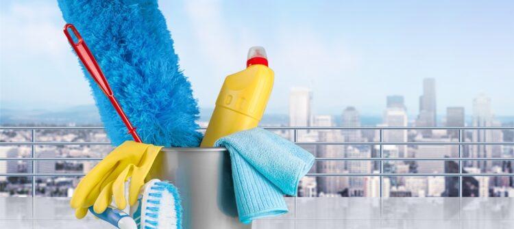 Уборка квартиры и мытье окон на балконе в СПб