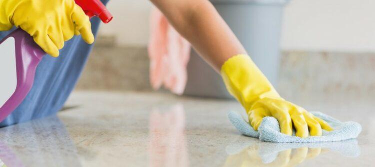 Уборка и мытье окон по доступной цене в Санкт-Петербурге