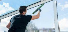 Как быстро выполнить мытье высоких окон?